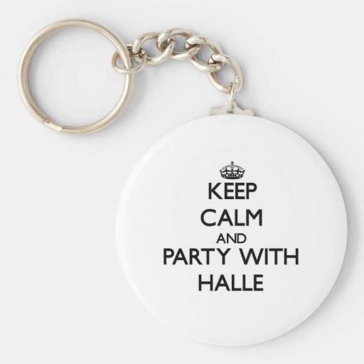 Guarde la calma y vaya de fiesta con Halle Llaveros