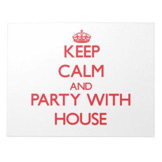 Guarde la calma y vaya de fiesta con la casa bloc de papel