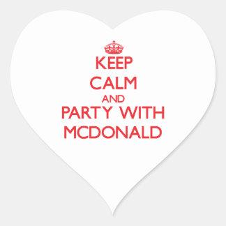 Guarde la calma y vaya de fiesta con Mcdonald Calcomania Corazon