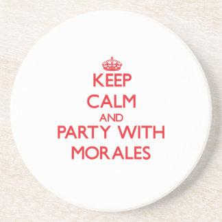 Guarde la calma y vaya de fiesta con Morales Posavasos Cerveza