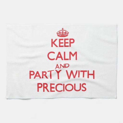 Guarde la calma y vaya de fiesta con muy toallas
