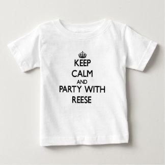 Guarde la calma y vaya de fiesta con Reese Playera De Bebé