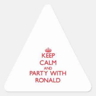 Guarde la calma y vaya de fiesta con Ronald Calcomanías De Trianguladas