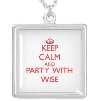 Guarde la calma y vaya de fiesta con sabio joyeria personalizada