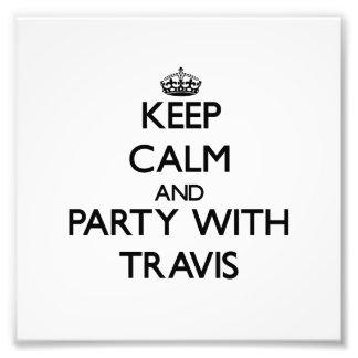 Guarde la calma y vaya de fiesta con Travis Cojinete