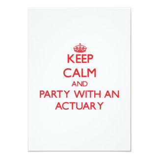 Guarde la calma y vaya de fiesta con un actuario invitación 12,7 x 17,8 cm