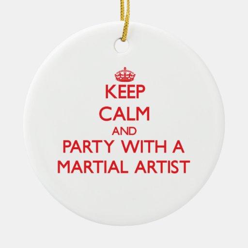 Guarde la calma y vaya de fiesta con un artista ma ornamentos de reyes