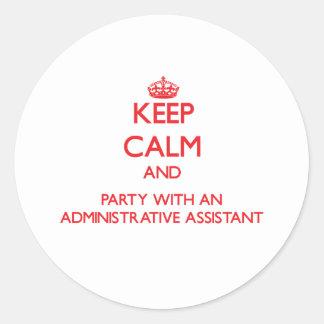 Guarde la calma y vaya de fiesta con un Assista ad Etiquetas