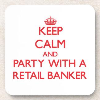 Guarde la calma y vaya de fiesta con un banquero a posavasos de bebida