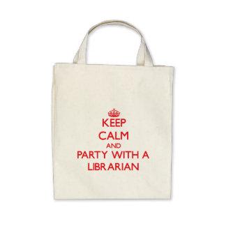 Guarde la calma y vaya de fiesta con un biblioteca bolsas