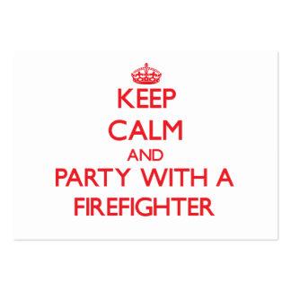 Guarde la calma y vaya de fiesta con un bombero tarjeta de visita