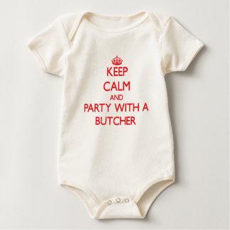 Guarde la calma y vaya de fiesta con un carnicero mamelucos de bebé