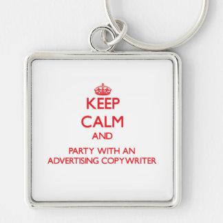 Guarde la calma y vaya de fiesta con un Copywriter Llavero
