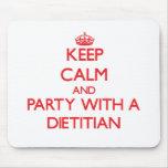 Guarde la calma y vaya de fiesta con un dietético alfombrillas de ratones