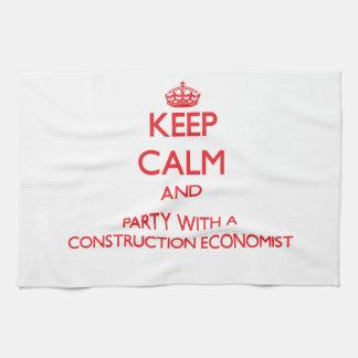 Guarde la calma y vaya de fiesta con un economista toallas