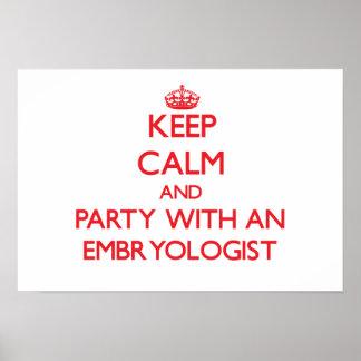 Guarde la calma y vaya de fiesta con un Embryologi Poster