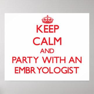 Guarde la calma y vaya de fiesta con un Embryologi Posters