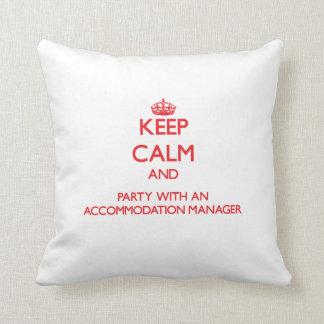 Guarde la calma y vaya de fiesta con un encargado almohada