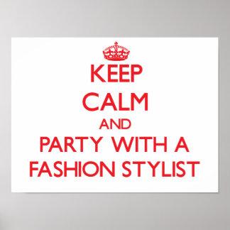 Guarde la calma y vaya de fiesta con un estilista  impresiones