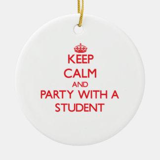 Guarde la calma y vaya de fiesta con un estudiante ornamentos para reyes magos