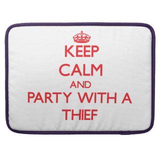 Guarde la calma y vaya de fiesta con un ladrón funda para macbooks