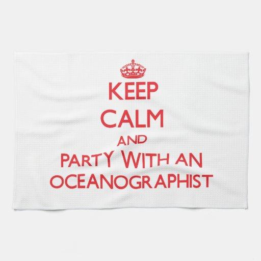 Guarde la calma y vaya de fiesta con un Oceanograp Toalla