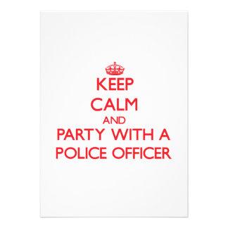 Guarde la calma y vaya de fiesta con un oficial de comunicados personalizados