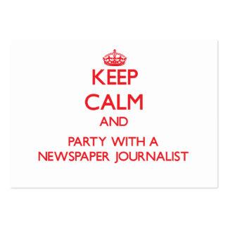 Guarde la calma y vaya de fiesta con un periodista tarjeta de visita