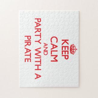 Guarde la calma y vaya de fiesta con un pirata puzzles