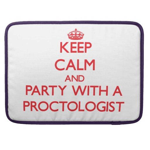 Guarde la calma y vaya de fiesta con un Proctologi Funda Para Macbook Pro