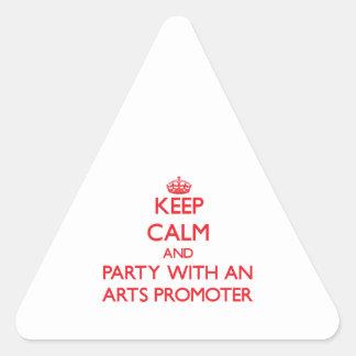 Guarde la calma y vaya de fiesta con un promotor d calcomanías de trianguladas