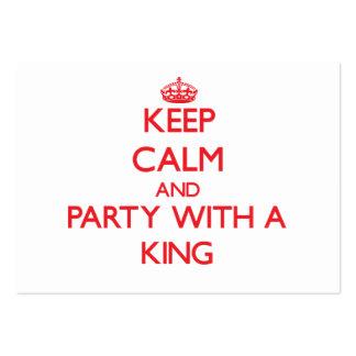 Guarde la calma y vaya de fiesta con un rey tarjeta personal
