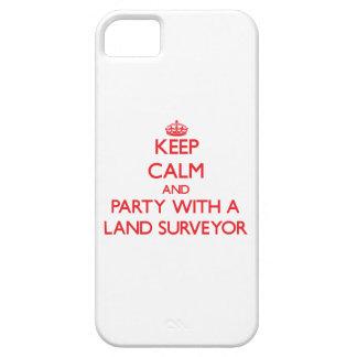 Guarde la calma y vaya de fiesta con un topógrafo  iPhone 5 Case-Mate carcasa