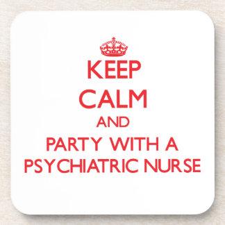 Guarde la calma y vaya de fiesta con una enfermera posavaso