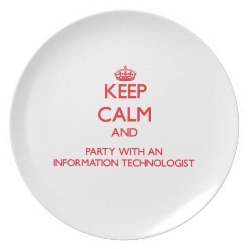 Guarde la calma y vaya de fiesta con una informaci plato de cena
