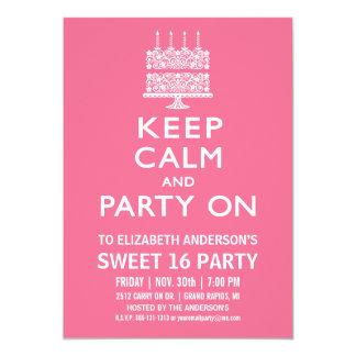 """Guarde la calma y vaya de fiesta en cumpleaños del invitación 5"""" x 7"""""""