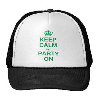Guarde la calma y vaya de fiesta encendido gorras de camionero