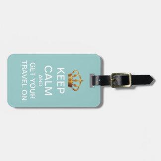 Guarde la calma y viaje en etiqueta rosada azul de etiqueta para maleta