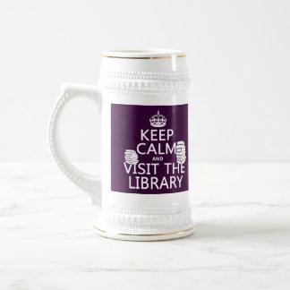 Guarde la calma y visite la biblioteca - en cualqu tazas de café