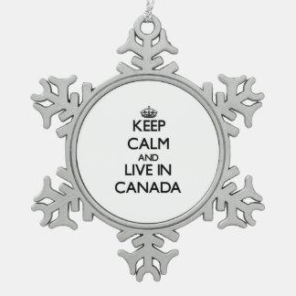 Guarde la calma y viva en Canadá Adornos