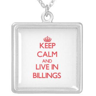 Guarde la calma y viva en facturaciones colgante personalizado