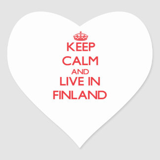 Guarde la calma y viva en Finlandia Pegatina Corazón
