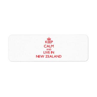 Guarde la calma y viva en Nueva Zelanda Etiquetas De Remite