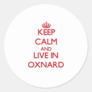 Guarde la calma y viva en Oxnard Pegatina Redonda