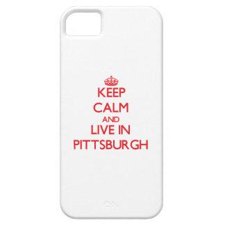 Guarde la calma y viva en Pittsburgh iPhone 5 Case-Mate Cárcasas
