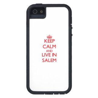 Guarde la calma y viva en Salem iPhone 5 Carcasas