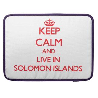 Guarde la calma y viva en Solomon Island Fundas Para Macbook Pro