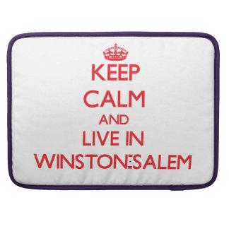Guarde la calma y viva en Winston-Salem Fundas Para Macbooks