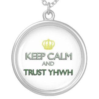 Guarde la confianza tranquila YHWH Colgante Redondo