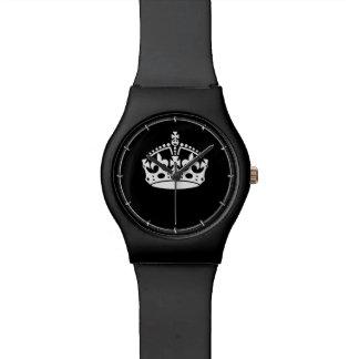 Guarde la corona tranquila en negro reloj de mano